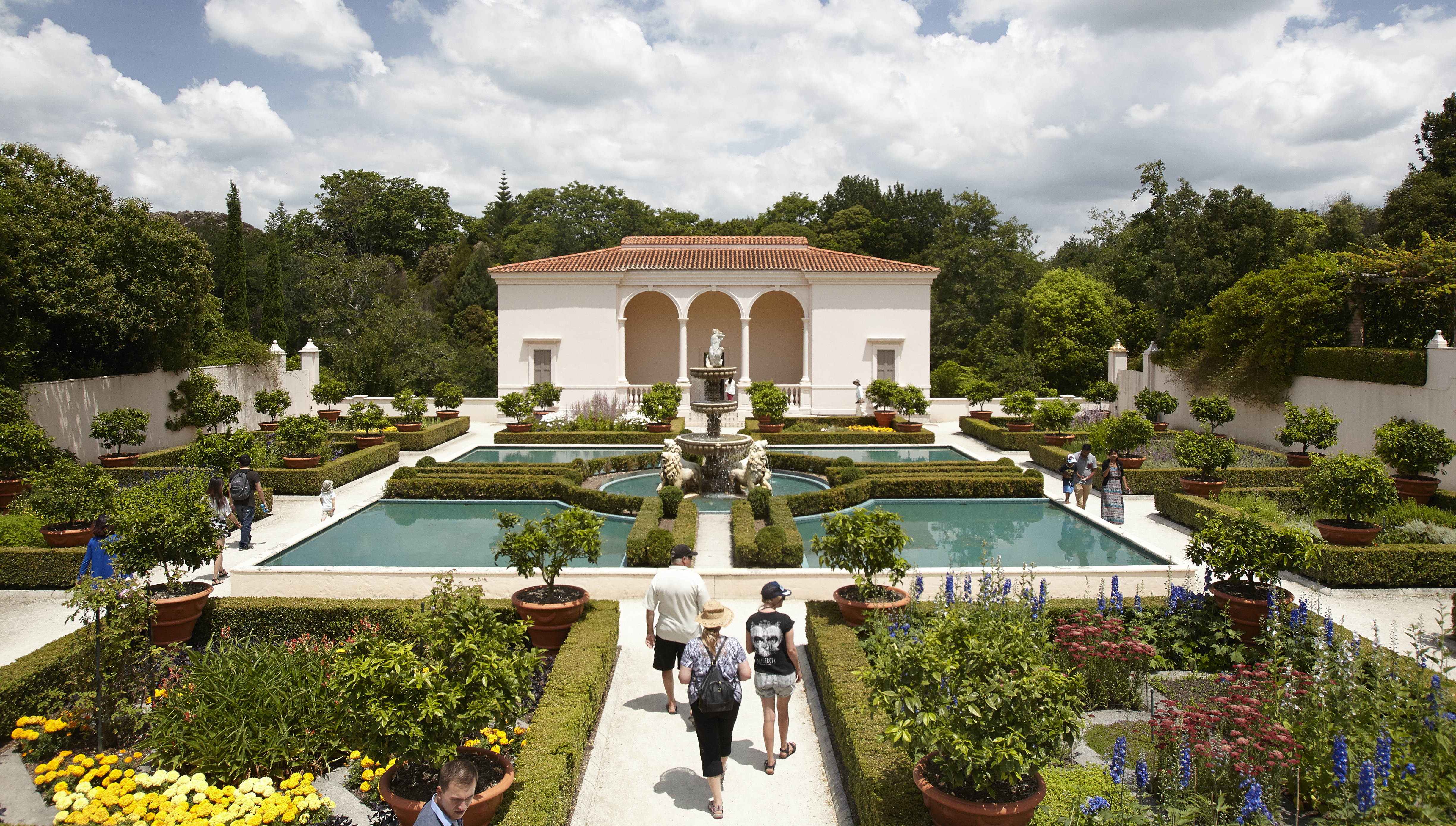 Hamilton gardens guided tours for Video home tours